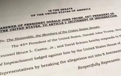 """Demócratas dicen que Trump es """"singularmente responsable"""" de la insurrección del 6 de enero en un informe acusatorio del juicio político"""