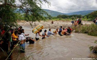 Por migrantes, a Duque le llueven más felicitaciones que donaciones