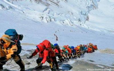 China cierra su vertiente del Everest por temor a COVID-19