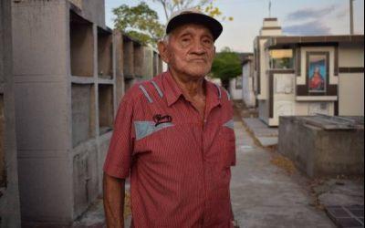 El señor García Márquez, sepulturero de La Paz