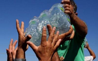 """""""El gran robo de agua"""": el estudio que afirma que entre el 30% y el 50% del agua en el mundo se obtiene de manera ilegal (y las consecuencias que trae para millones de personas)"""