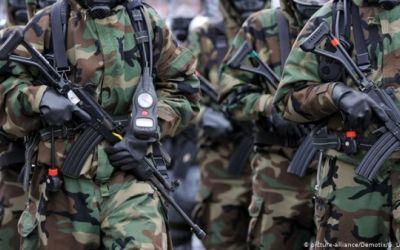 Ejército colombiano anuncia retiro de nueve oficiales