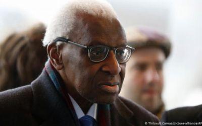 Cuatro años de cárcel para Lamine Diack, expresidente del atletismo mundial