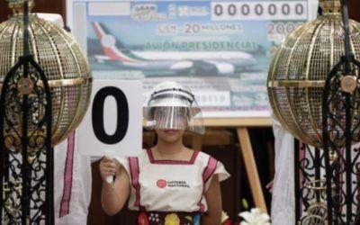"""Avión presidencial de México: por qué su sorteo no permitirá al gobierno librarse de él (y por qué algunos lo califican de """"propaganda"""" para AMLO)"""
