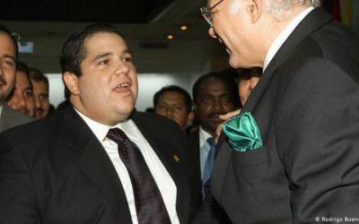 Colombia expulsa a hijo de expresidente de Ecuador