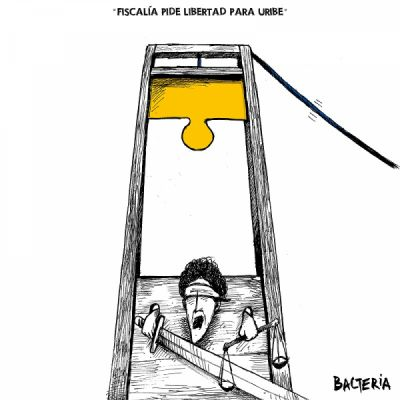 FISCALÍA PIDE LIBERTAD PARA URIBE